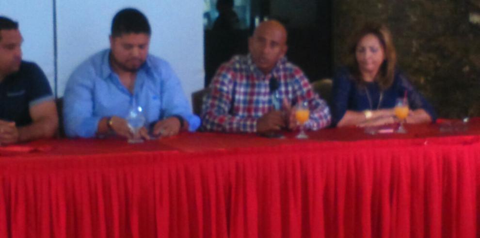 Liga provincial de Panamá Metro agasaja a campeones de Probeis