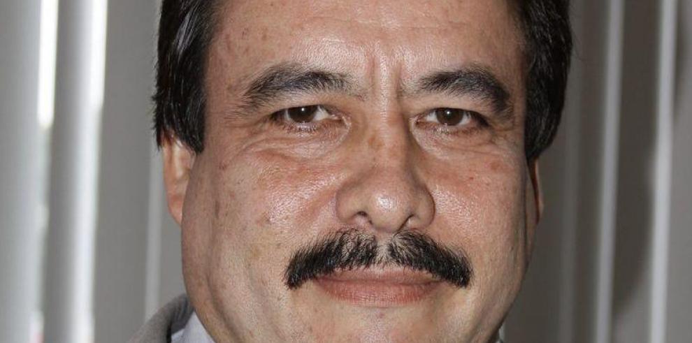 Rolando Villalaz se postula para director de la CSS