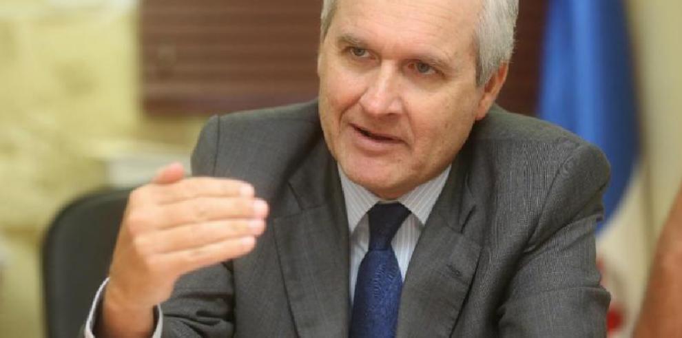 Ministro Alemán vinculado a millonaria licitación