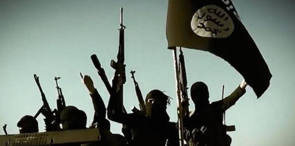 Trump ordena 'rodear y aniquilar' al Estado Islámico