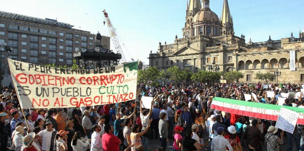 Manifestaciones por 'gasolinazo' bloquean la capital mexicana