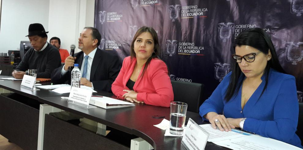 Vicepresidenta de Ecuador ve despropósito y absurdo denuncia de Correa a OEA