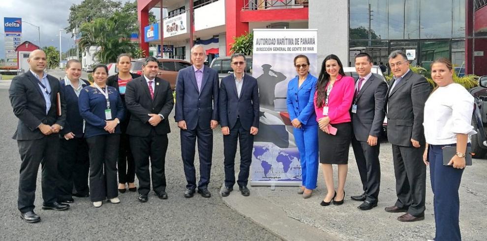 Panamá e Irán firman acuerdo de reconocimiento mutuo de formación de marinos