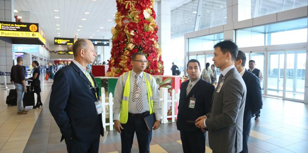 Ejecutivos de Air China visitan Panamá para preparar vuelo inaugural de marzo