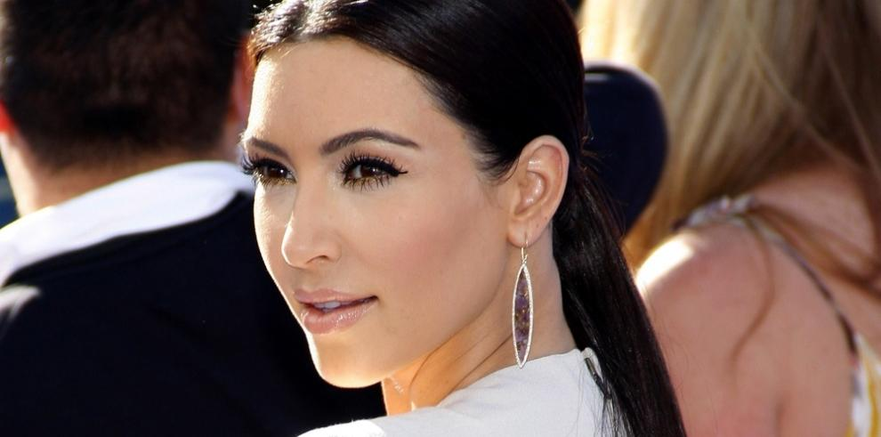 Kim Kardashian se disculpa por 'oscurecer' artificialmente su piel