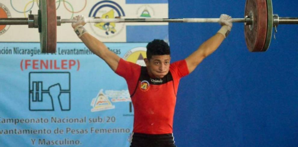 Vásquez dedica medallas de oro a su papá y su país