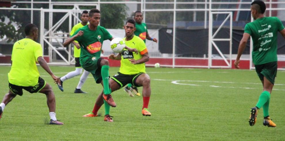 Panamá vs. Costa Rica abren el fútbol centroamericano
