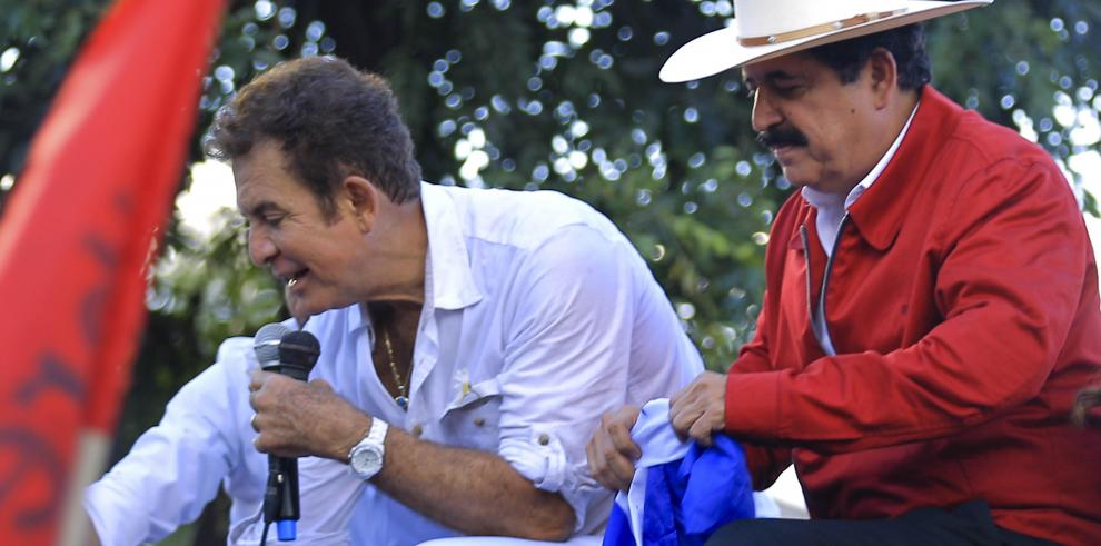 Zelaya dice estar dispuesto a buscar solución a crisis política en Honduras