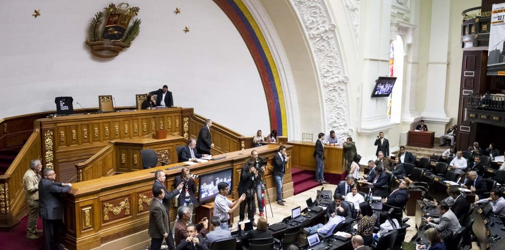 Elecciones en medio de la crisis amenazan bastiones opositores en Venezuela