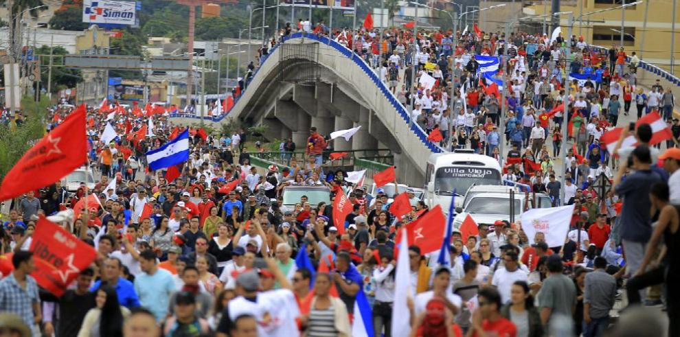 Conteo 'termina' y se profundiza la crisis en Honduras