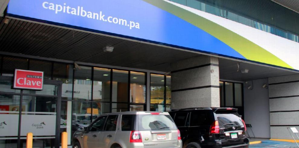 Capital Bank asegura que cumple con las normas bancarias