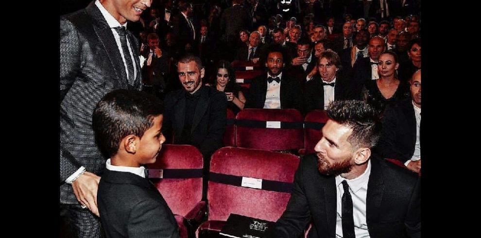 'Gracias, mi ídolo', dice hijo de Cristiano Ronaldo a Messi