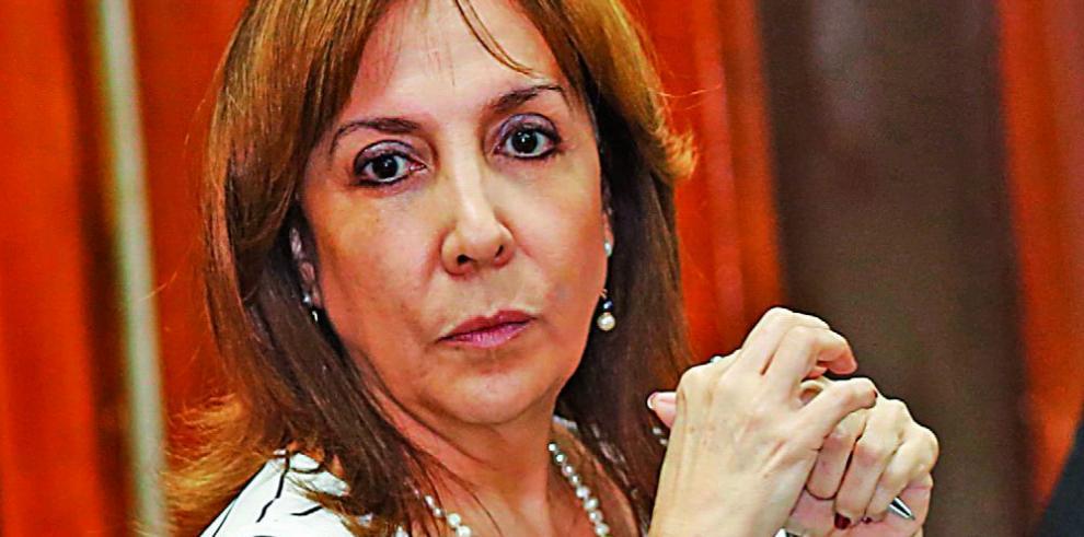 Varela debe enfrentar al país y darle explicaciones