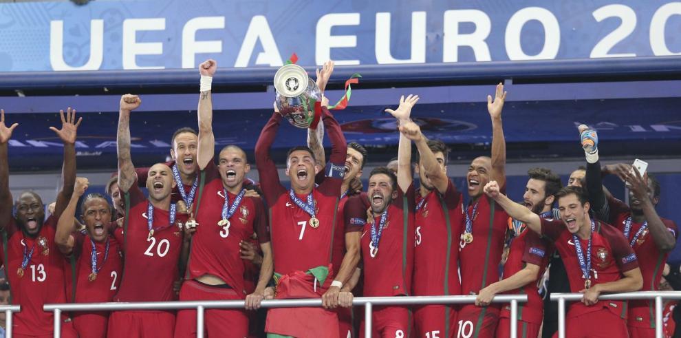 Ronaldo, Pepe y Rui Patricio, nominados al premio