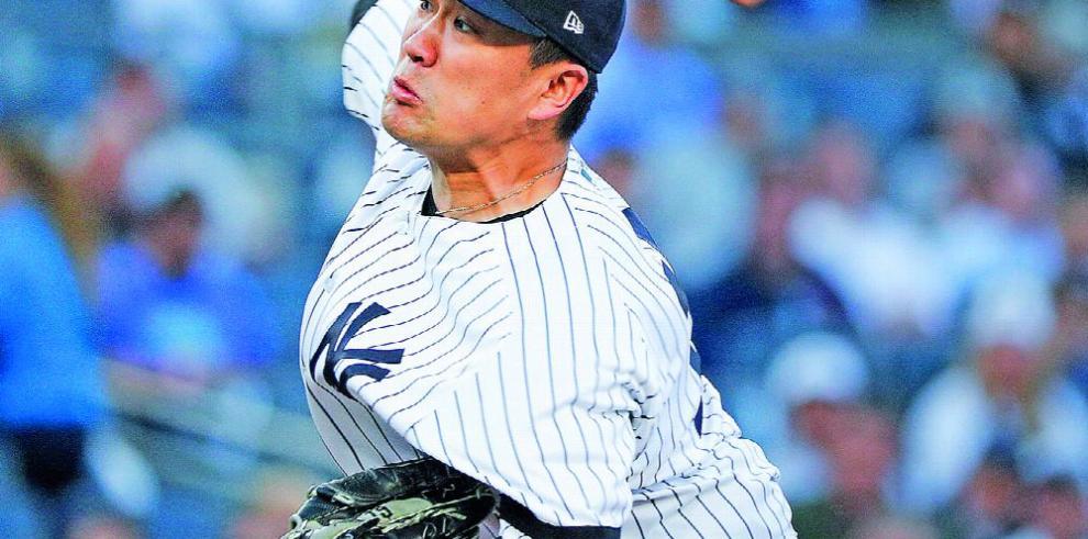 Tanaka eligió mantener su contrato con los Yankees