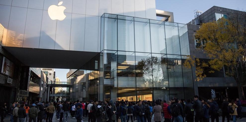 Apple y Nike, entre empresas envueltas en escándalo de