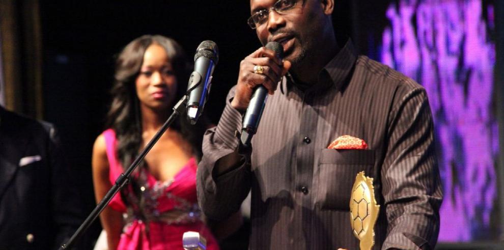 George Weah, de la cancha a la presidencia de Liberia