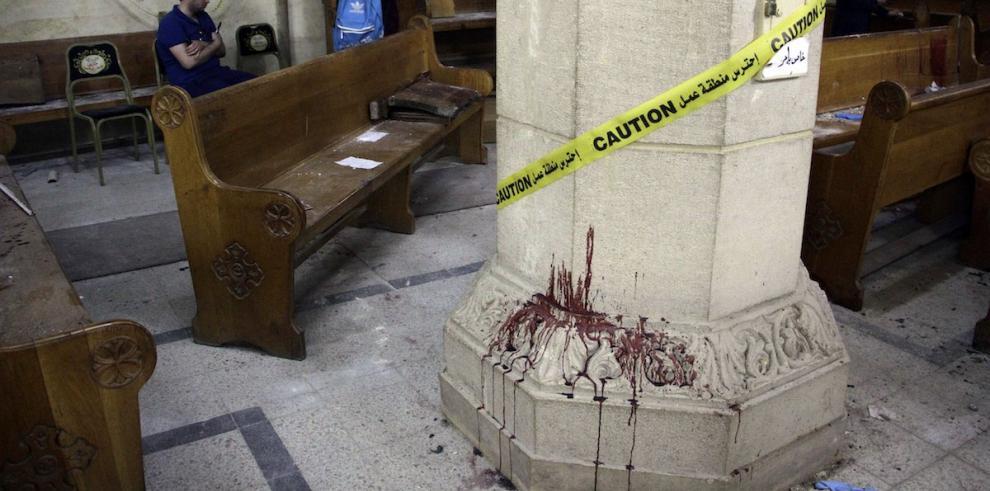 Suben a 10 los muertos en ataque armado contra una iglesia al sur de El Cairo