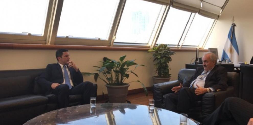 Vicecancilleres de Panamá y Argentina se reúnen en el país suramericano