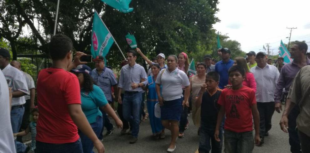 Rómulo Roux se compromete a desarrollar a Bocas del Toro