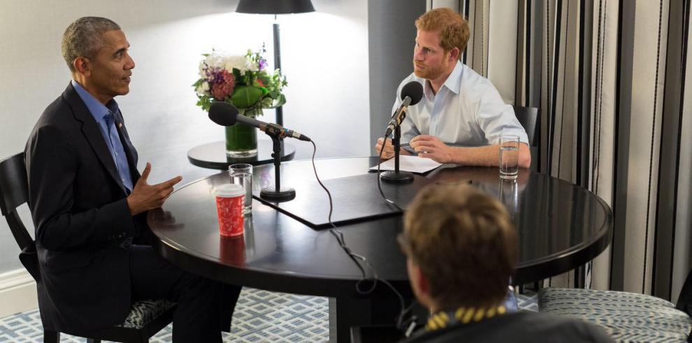 Obama alertó sobre las redes sociales al ser entrevistado por el príncipe Harry