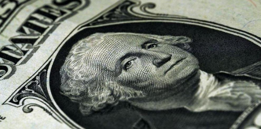 Incrementan en once dólares el salario básico unificado en Ecuador