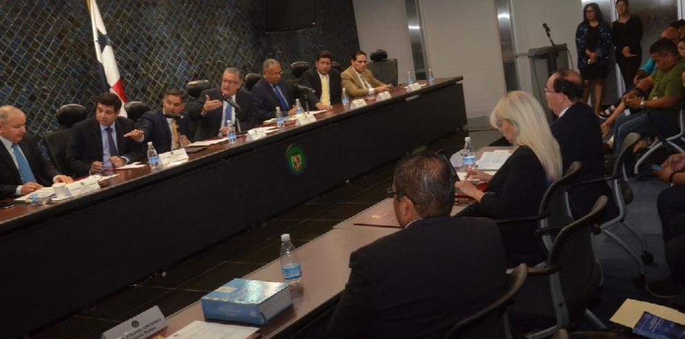 Ejecutivo convocó a sesiones extraordinarias