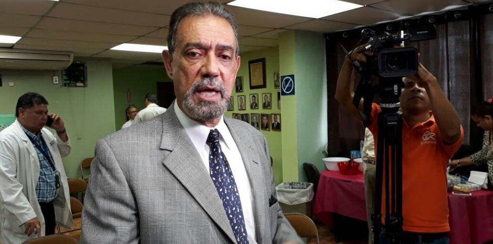 350 médicos del Seguro Social secundan paro del Santo Tomás