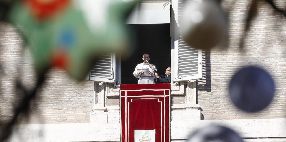 El papa invoca la paz ante los conflictos del mundo y pide liberación rehenes