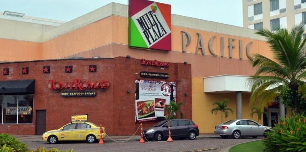 Presidencia: Varela no va a regalar zapatillas en Multiplaza