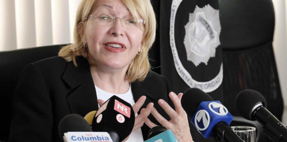 Exfiscal venezolana acusa a Maduro de desviar al menos 8 millones de dólares