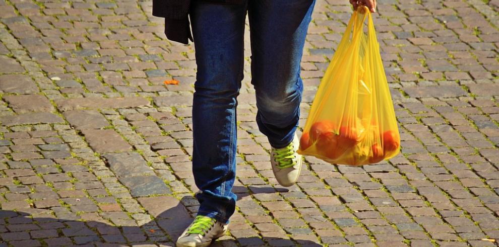 Uso de bolsas plásticas será restringido por ley