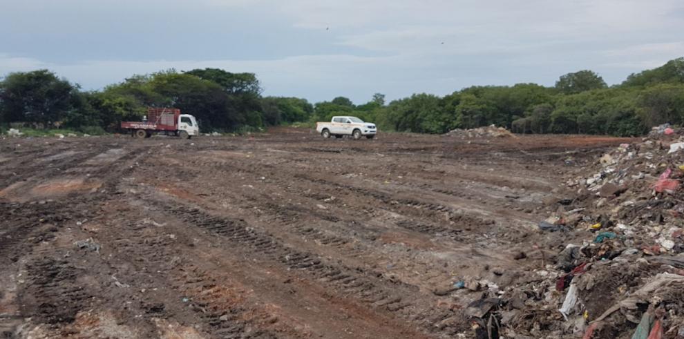 Se inician trabajos de saneamiento del vertedero en La Villa de Los Santos