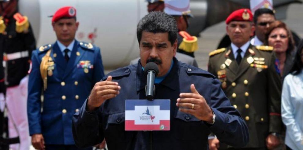 Gobierno y oposición marchan el Primero de Mayo, en Caracas