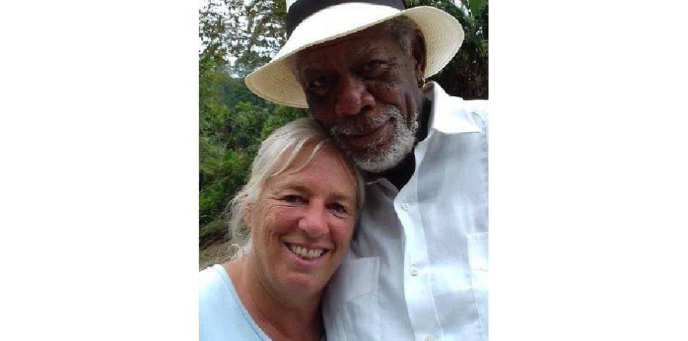 Morgan Freeman visita Panamá para grabar la serie