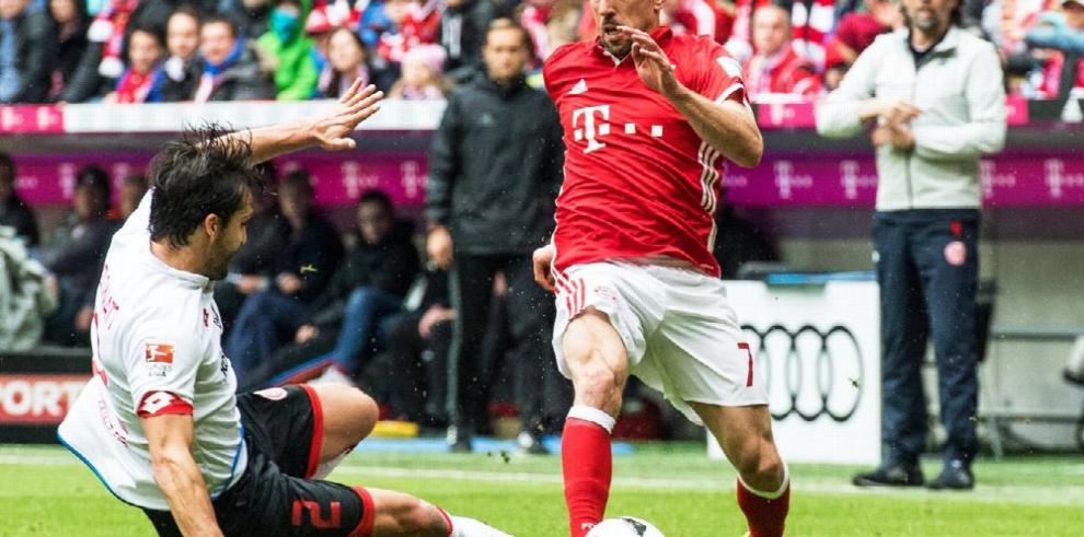 Bayern Múnich sigue de mal en peor e igula con Maguncia