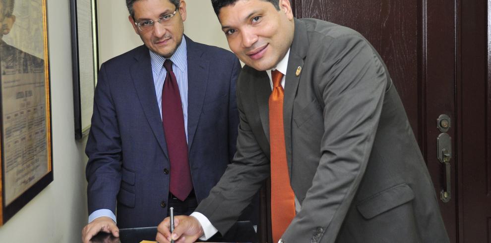 Vicepresidente de la Asamblea suscribió la 'Declaración por Panamá'