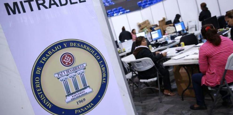Mitradel aprobó 8 mil permisos de trabajo a extranjeros en seis meses