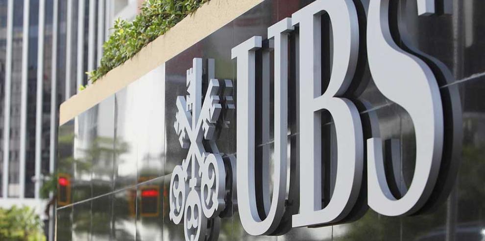 Francia acusa a banco UBS de promover evasión fiscal