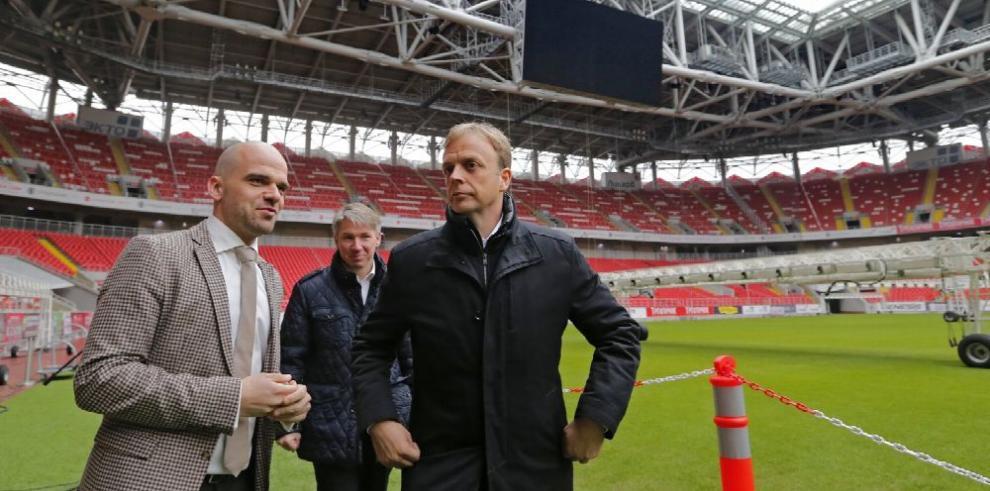 Rusia pasa examen de la FIFA en sus escenarios
