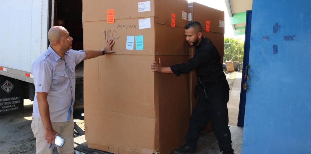Al Inadeh de Colón llegaron nuevos equipos para talleres y restaurantes
