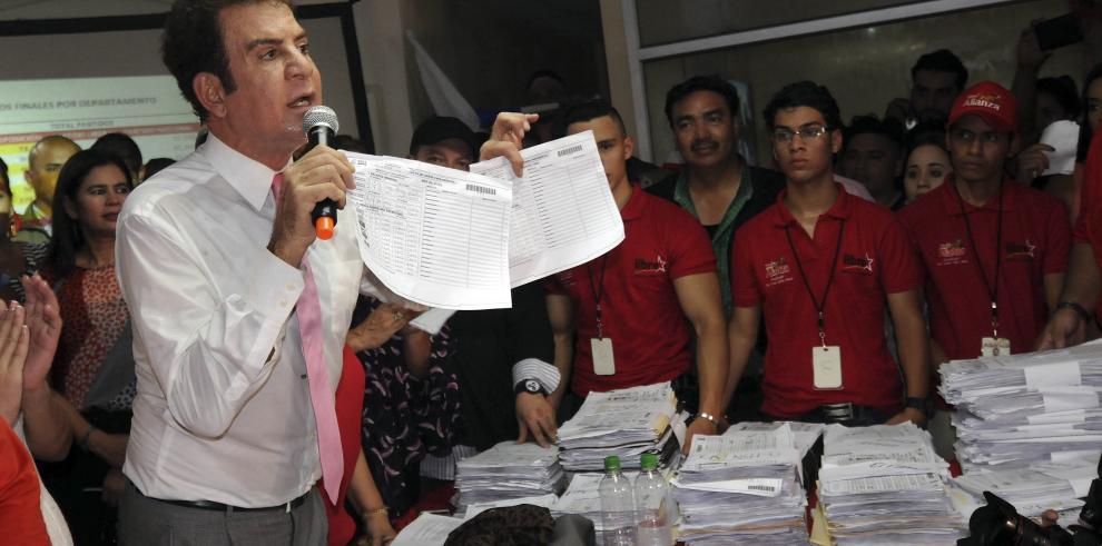 Oposición pide a militares que no cumplan órdenes de presidente hondureño