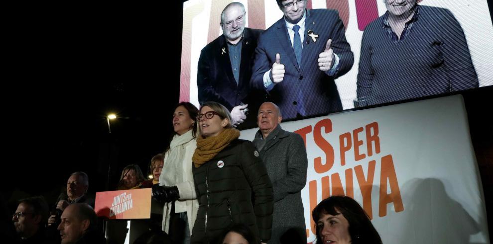Cataluña decide su futuro mañana en comicios claves