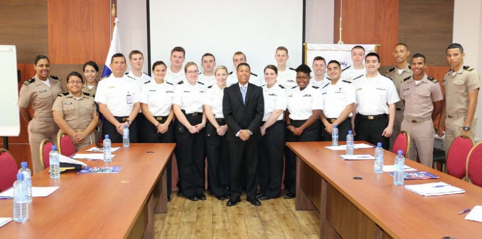 Cadetes de la Academia Marítima de Massachusetts cumplen pasantía en UMIP