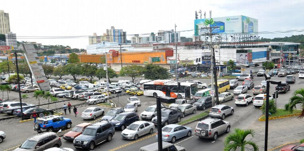 ATTT suspende aumento del registro vehicular