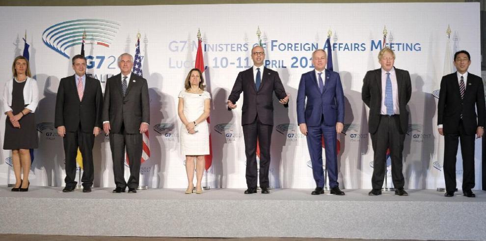 G7 pide solución 'política' en Siria sin sanciones a Rusia