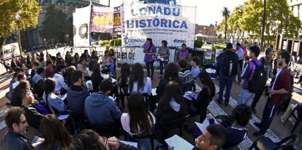 Docentes argentinos inician nuevo paro en todo el país