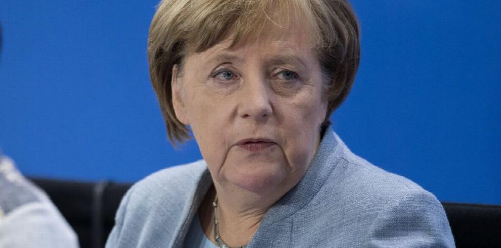 Merkel, dispuesta a gobernar con el SPD