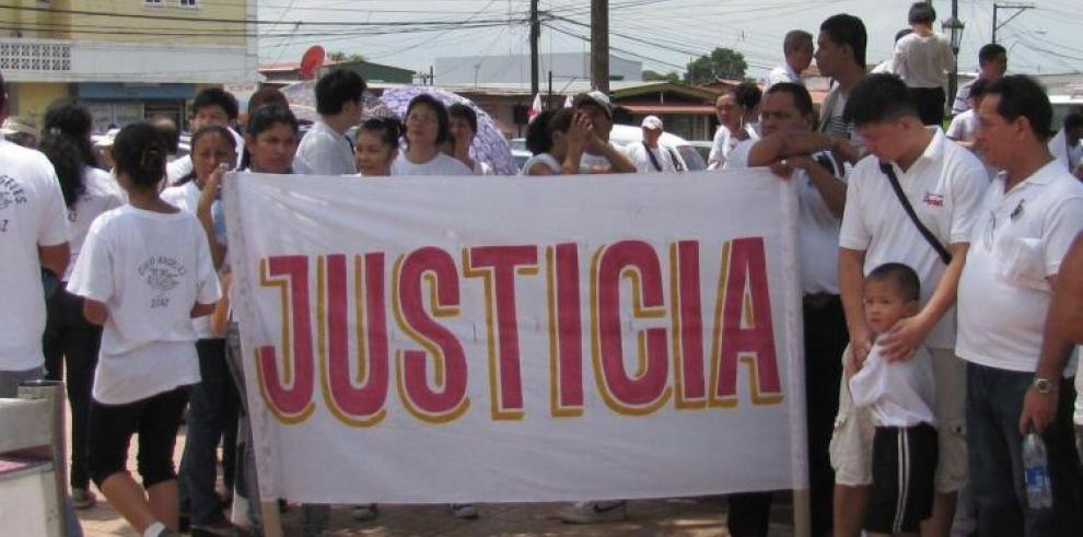 Homicida se declara culpable por el asesinato de cinco jóvenes chorreranos