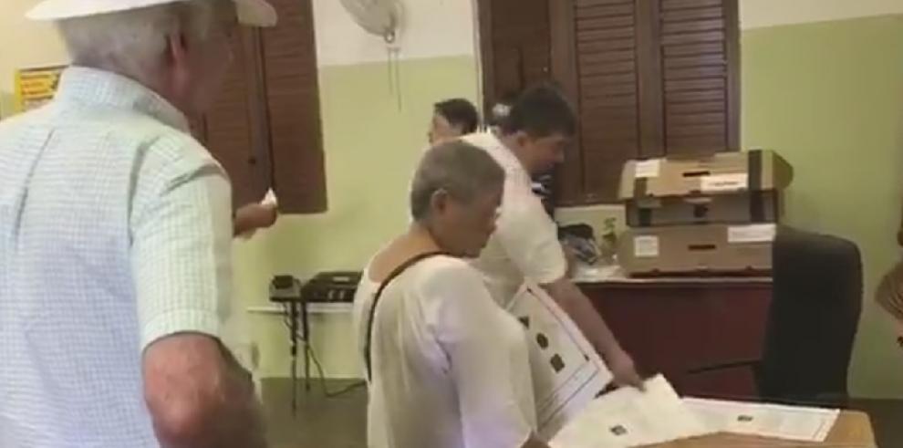 Comienza la votación sobre el estatus de Puerto Rico